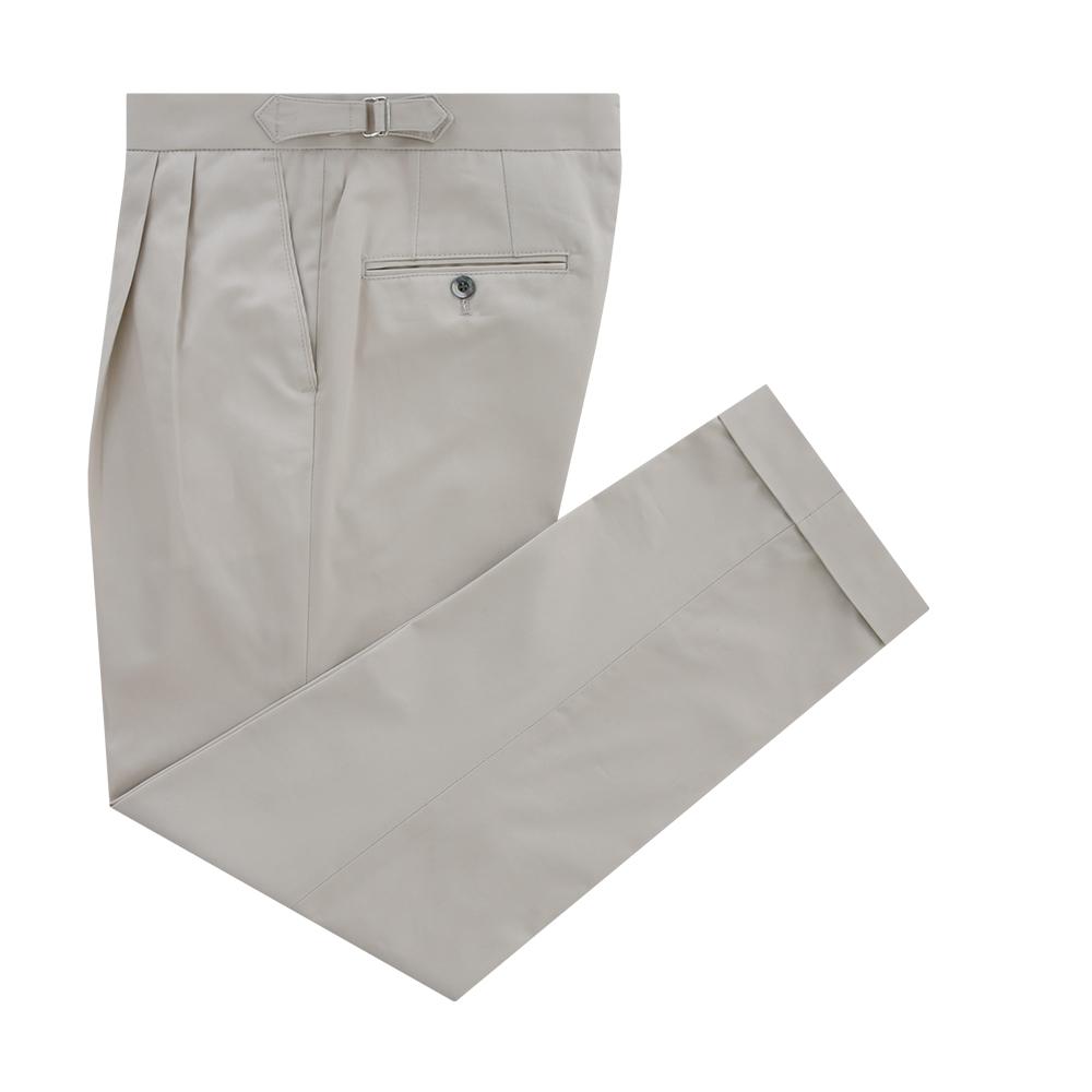 Essential Gaberdine cotton two tuck adjust chino (Ivory)