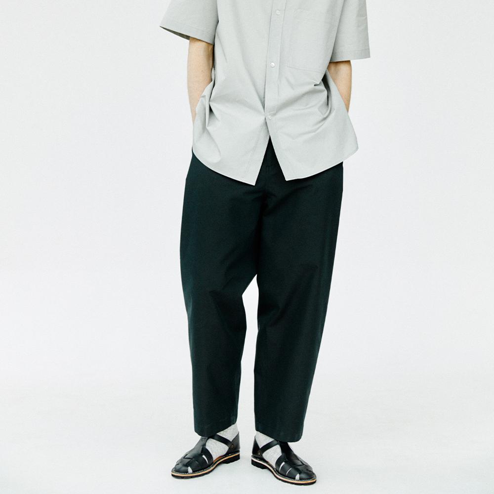 Side Tucked Pants_ Black