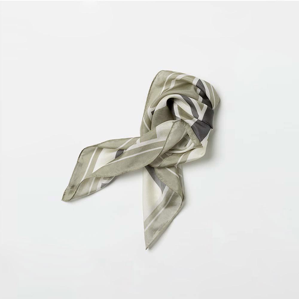 print silk scarf beige