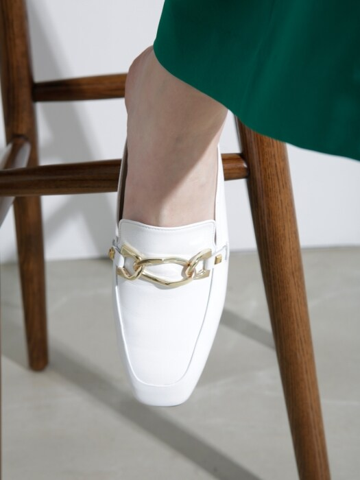 [메이엘듀]  Square Toe Point Bloafer  MD19SS1034 White
