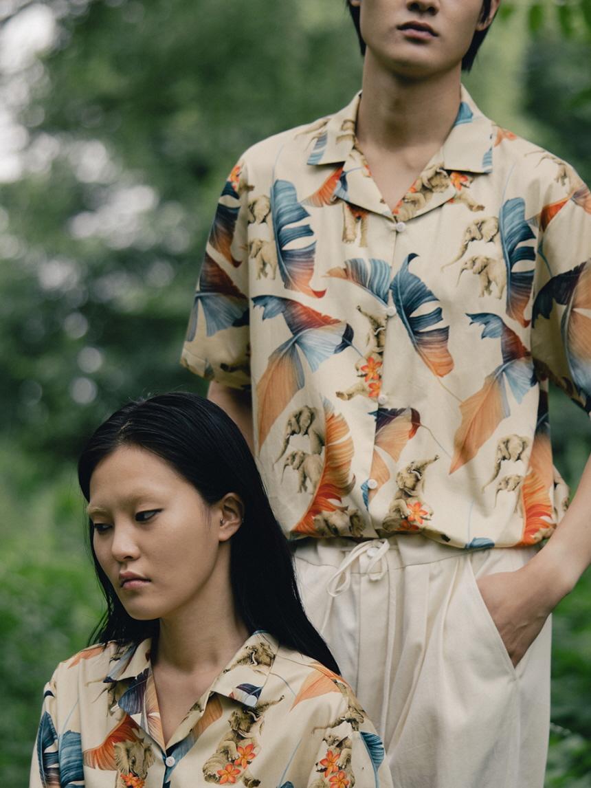 유재석 착용 [비건타이거] 코끼리 프린트 셔츠 라이트 옐로우