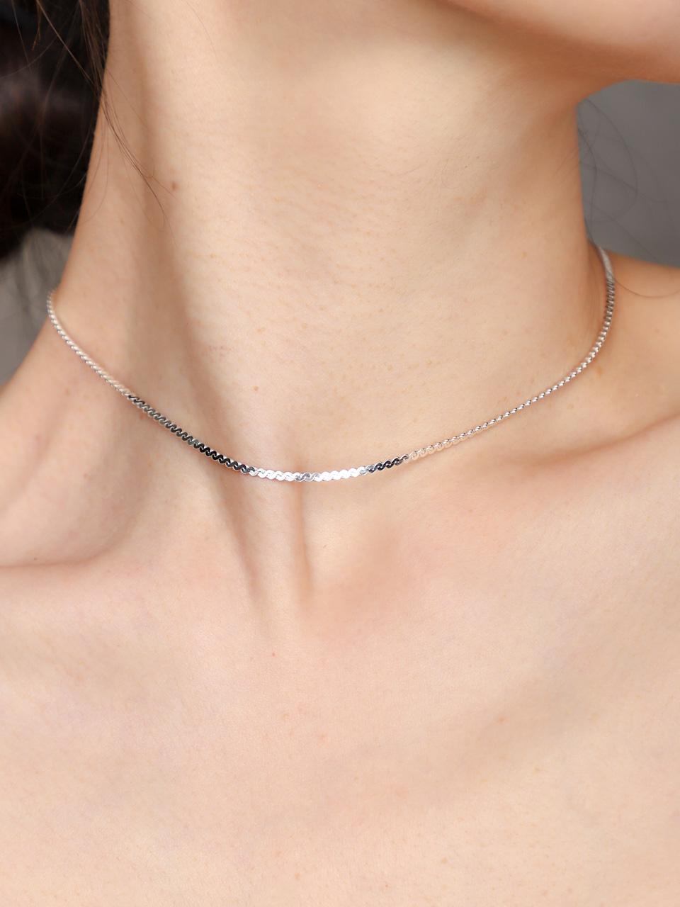 [유니제이]Cutting Twist Necklace In106 [Silver]