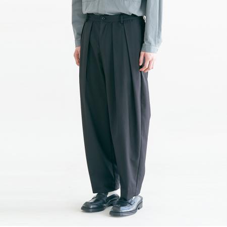 Pleats Silhouette Pants_Black