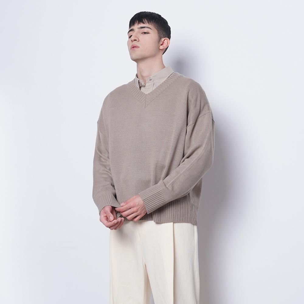M15 semi over v knit beige