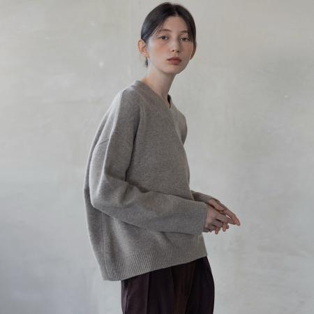 Cashmere v-neck knit (oatmeal)