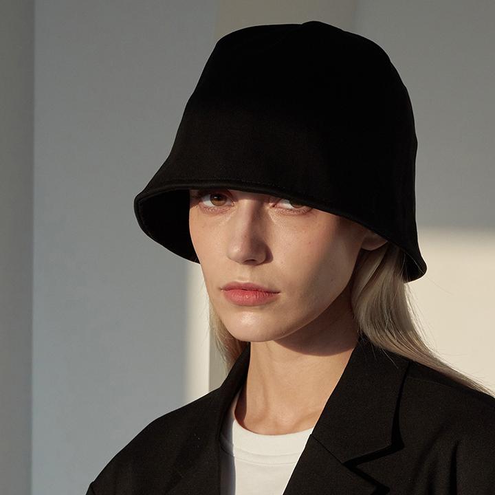 Signature Logo Bucket Hat (Black)